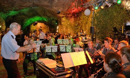 """Freitag """"Heiligabend"""" am Musikhaus: Einstimmung aufs Schützenfest"""