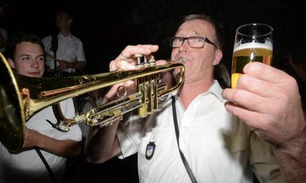 MV Lichtringhausen rockt Balver Höhle