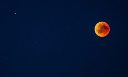 Sven Paul hat die Mondfinsternis für die Balver im Bild festgehalten