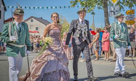Mellen: Schöner Festzug in bunten Bildern von HZ-Fotograf Sven Paul