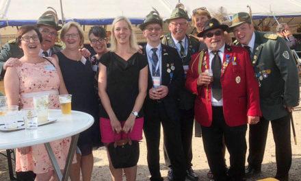 Auch ohne Europa-Krone feiern die Hönnestädter in Holland