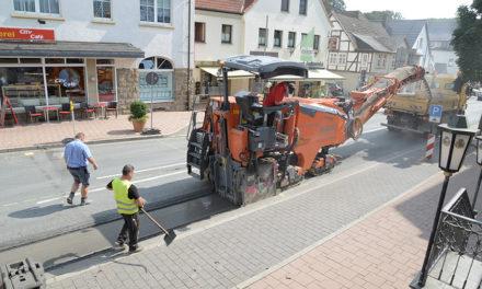 Bau Mini-Kreisel: Verärgerter Bürgermeister weist Kritik des Fachhandels zurück