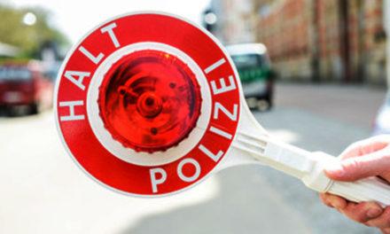 Polizei: Getunter Golf reif für die Schrottpresse