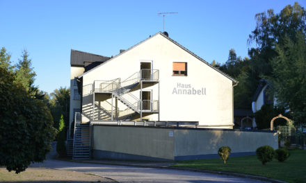 """""""Das ist ein Skandal"""": Haus Annabell setzt Heimbewohner und Personal kurzfristig vor die Tür"""