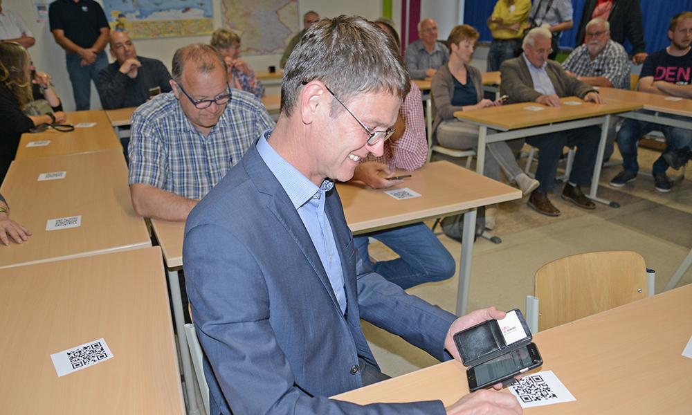 Realschule Balve treibt Digitalisierung voran – Tablets für alle 7.-Klässler