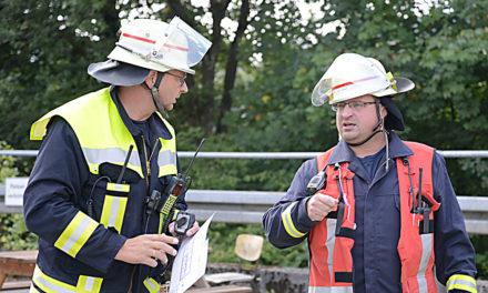 Feuerwehr sorgt für freie und sichere Fahrt im Hönnetal