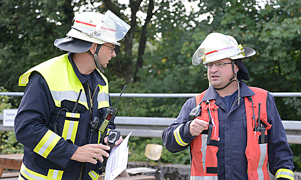 HÖNNETAL: Feuerwehr unter Leitung des neuen Stadtbrandinspektors im Einsatz