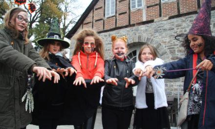 Luise lädt zum Kinder-Halloween – Gruselige Zeitreise durch die Horror-Fabrik