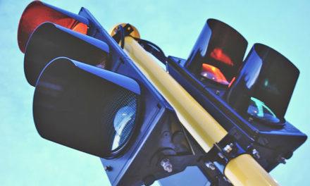 EILMELDUNG: Wanderbaustelle auf B 229 – Ampeln sorgen wieder für Staus