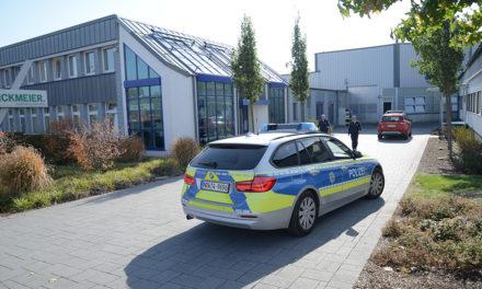 Geplatzer Hydraulikschlauch löst Großalarm in Firma Rickmeier aus