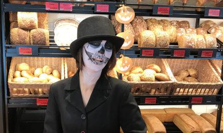 Heute Abend mit gruseligen Halloween-Kostümen ins HDK