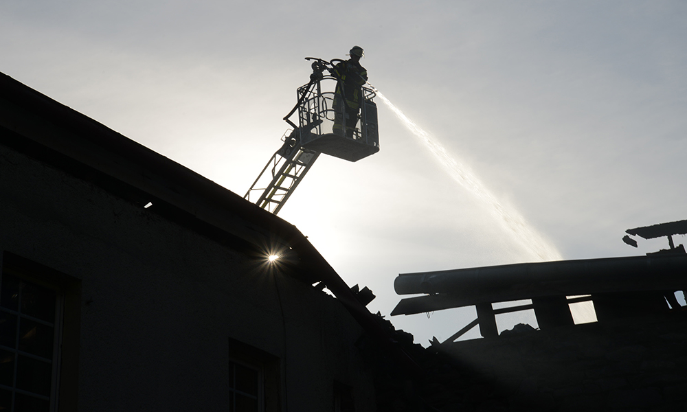 Großbrand ist nach 2-tägigem Einsatz für die Balver Feuerwehr jetzt Geschichte