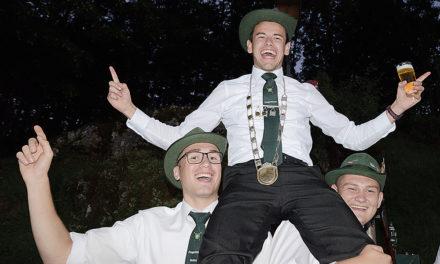 Jungschützen stimmen mit 1. Beckumer Budenzauber auf das Weihnachtsfest ein