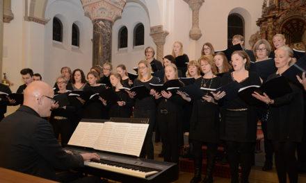 Highlight in St.-Blasius-Kirche – Junger Chor Eslohe stimmt Balver auf Weihnachten ein