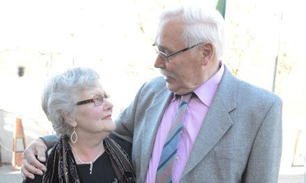 Goldhochzeit: Jubelpaar Suckau strahlt sich auch nach 50 Jahren noch an