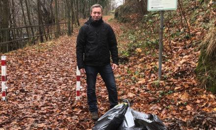 Naturhistorischer Verein entfernt vier Säcke Müll und Unrat aus dem Hönnetal