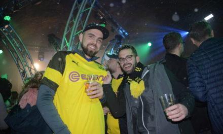 Viele bunte Fotos: BVB-Fans feiern auf Après-Ski-Party auch den Sieg über Bayern München