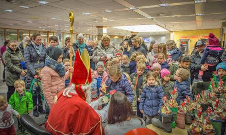 Großartige Aktion: St. Nikolaus erfreut fast 80 Kinder mit gefüllten Stiefeln und Schuhen