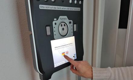 Bürgerbüro Balve: Mit nagelneuem Foto-Terminal sollen Bürger schneller an Reisepass und Personalausweis kommen