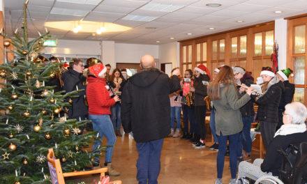 Weihnachtslieder rühren ehemalige Vereins-Wirtin zu Tränen