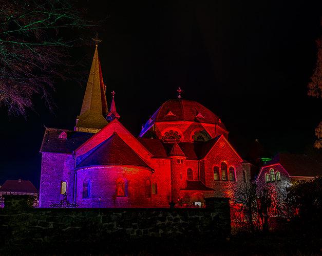 Für Nikolaus-Andacht in St.-Blasius-Kirche jetzt unter Telefon 5851 anmelden