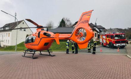 14-jähriges Mädchen aus Balve nach Fenstersturz schwer verletzt – Rettungshubschrauber im Einsatz