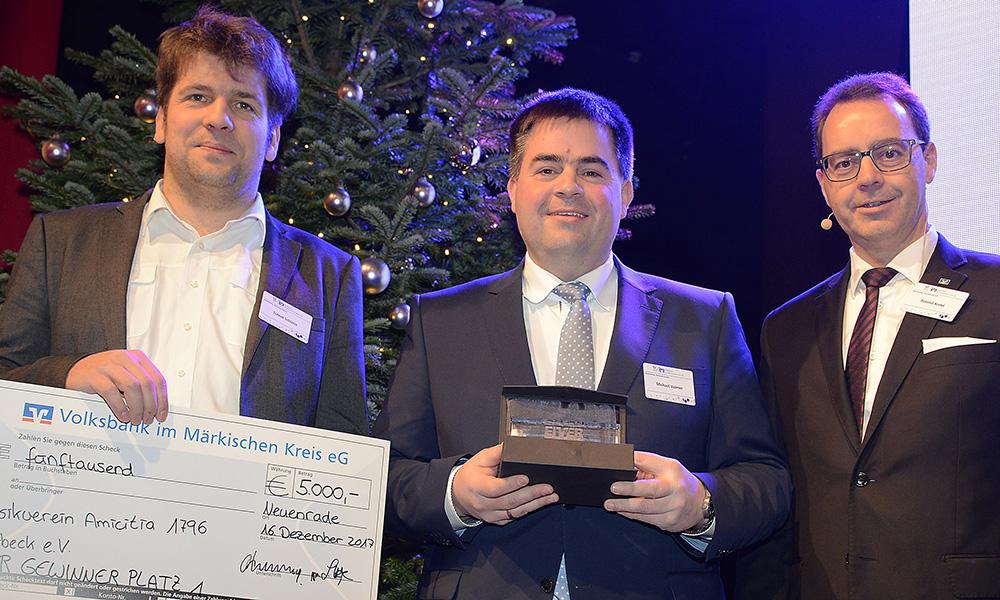 Volksbank in Südwestfalen lobt Ehrenamtspreis von 30.000 Euro aus