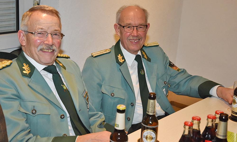 Eisborner Schützen: Ehrenvorstandsmitglied Peters lädt Diebe zum Straßenschmücken ein