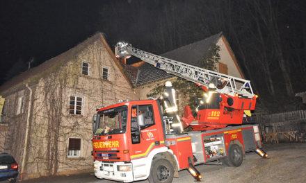 Nächtlicher Einsatz der Feuerwehr in Balver Schreinerei