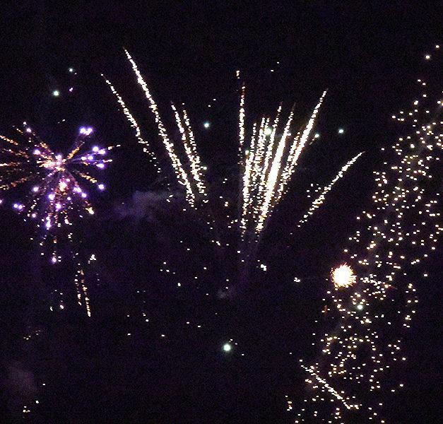Balver lassen es richtig krachen und begrüßen das neue Jahr mit grandiosen Feuerwerkskörpern