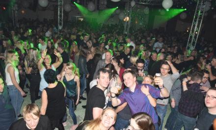 """Großartige Party: Impressionen von """"Küntrop …mein Dorf tanzt"""" – Teil 1"""
