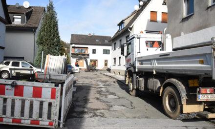 Dreikönigsgasse: Sparkassen-Parkplatz nur von B229 erreichbar