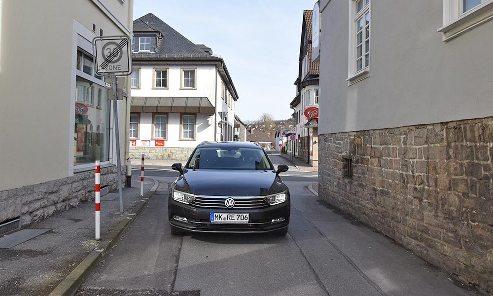ACHTUNG: Dreikönigsgasse ab Montag nur über Garbecker Straße zu befahren