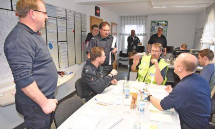Unwetterkatastrophe in Balve: Stabsrahmenübung der Feuerwehr sehr gut verlaufen