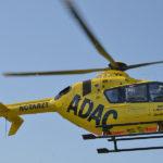 Rettungshubschrauber im Einsatz: Verkehrsunfall mit vier schwer verletzten Personen