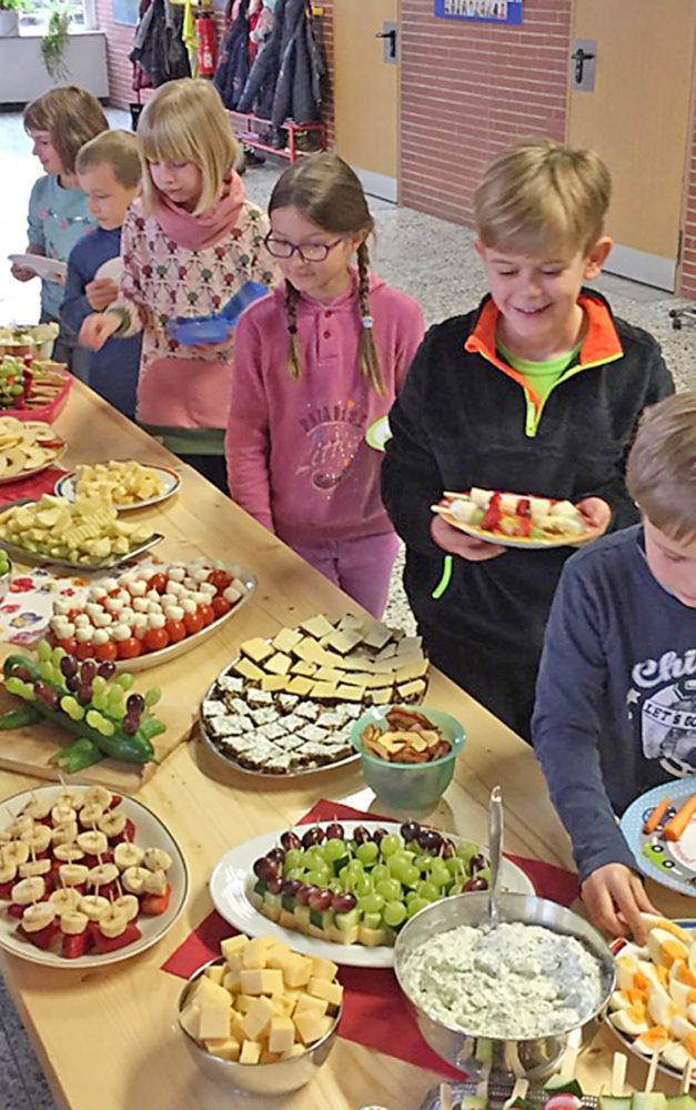 """""""Gesundes Frühstück"""" begeistert Kinder der Garbecker Grundschule"""