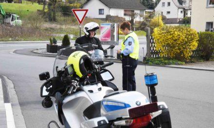 Kontrolle auf B 515: Polizei will in die Köpfe der Biker