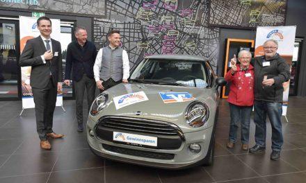 Volksbank-Kunde gewinnt neuen Mini One