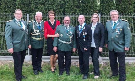 Krakau: Prinz von Merode schlägt den Balver Stefan Schewell zum Ritter