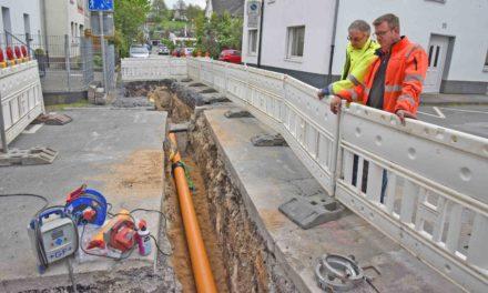 Garbecker Straße im Kreuzungsbereich Dreikönigsgasse/Hoffmeisterstraße komplett gesperrt