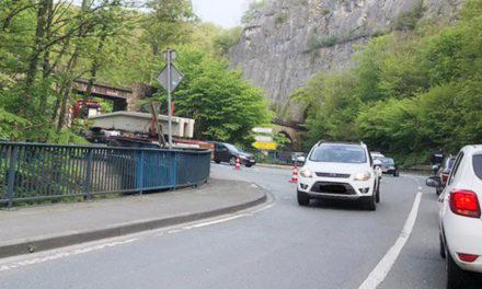 EILMELDUNG: Betontransporter blockiert Hönnetalstraße im Bereich der B 515