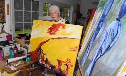 Malerin Anneliese Schmitz stellt bei neuen Weinen ihr Lebenswerk vor