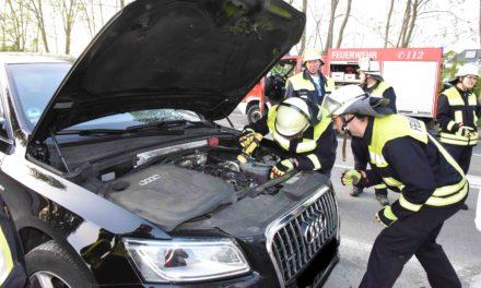 HEUTE ABEND: Qualmender Audi legt Verkehr auf der K 11 komplett lahm