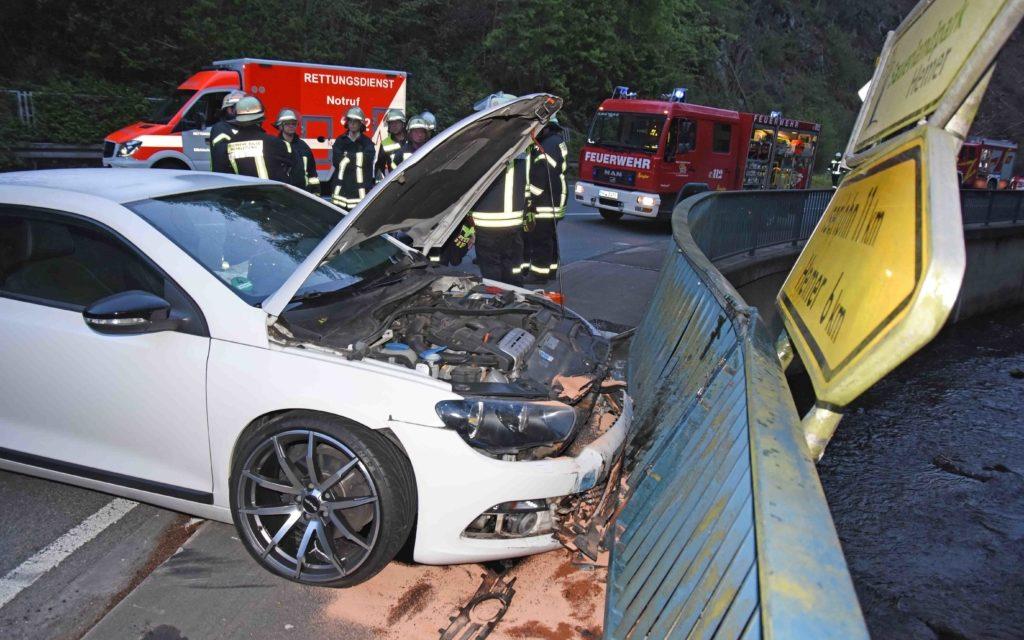 Bilder von einem rätselhaften Unfall im Hönnetal