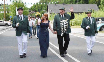Neues Königspaar Noll frenetisch gefeiert von Volkringhauser Damen