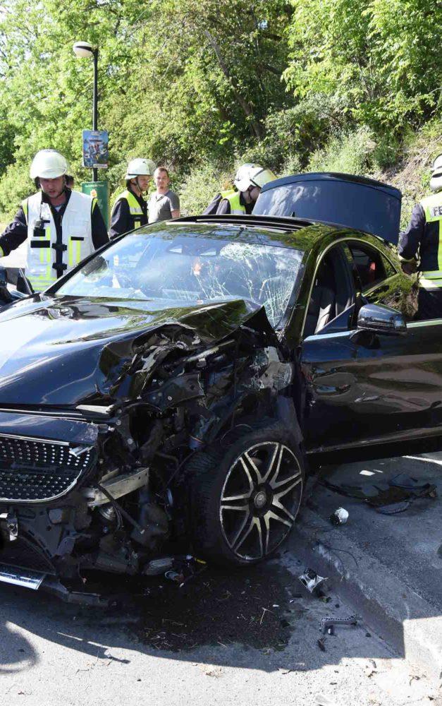 Fünf Verletzte bei Unfall in L.A.: 23-jähriger  Neuenrader war zu schnell unterwegs