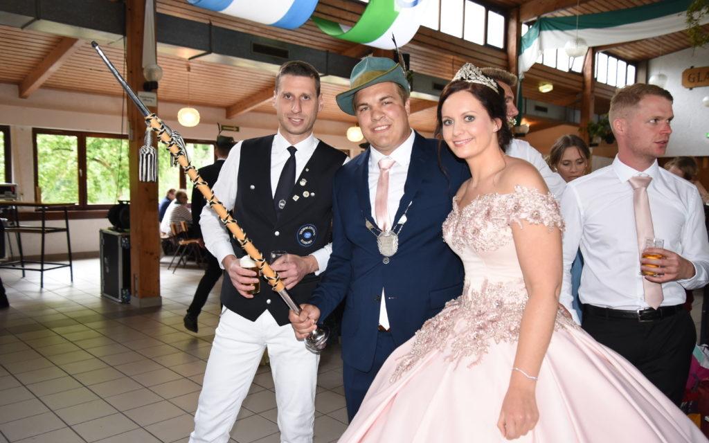 FOTOGALERIE: Majestäten Reuß/Neuhaus übernehmen Trommlerkorps Eisborn