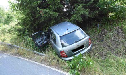 Nach Unfall Vollsperrung der Straße zwischen Garbeck und Leveringhausen