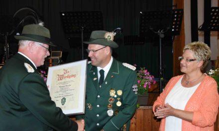 Garbecker Schützen Busche und Lohmann mit höchstem SSB-Orden ausgezeichnet