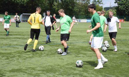 Überraschende Spielabsage: FC Lennestadt lässt Test in L.A. platzen